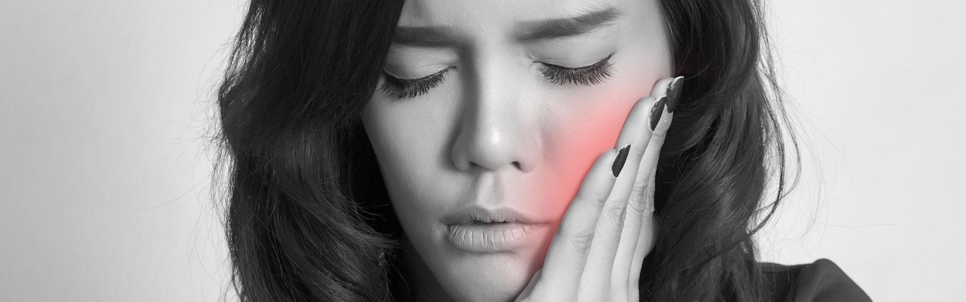 A girl having a dental emergency